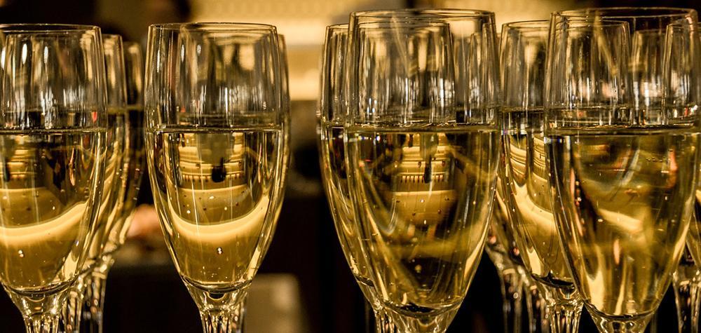 Champagneprovning i Gamla Stan, Stockholm (från 10 pers)