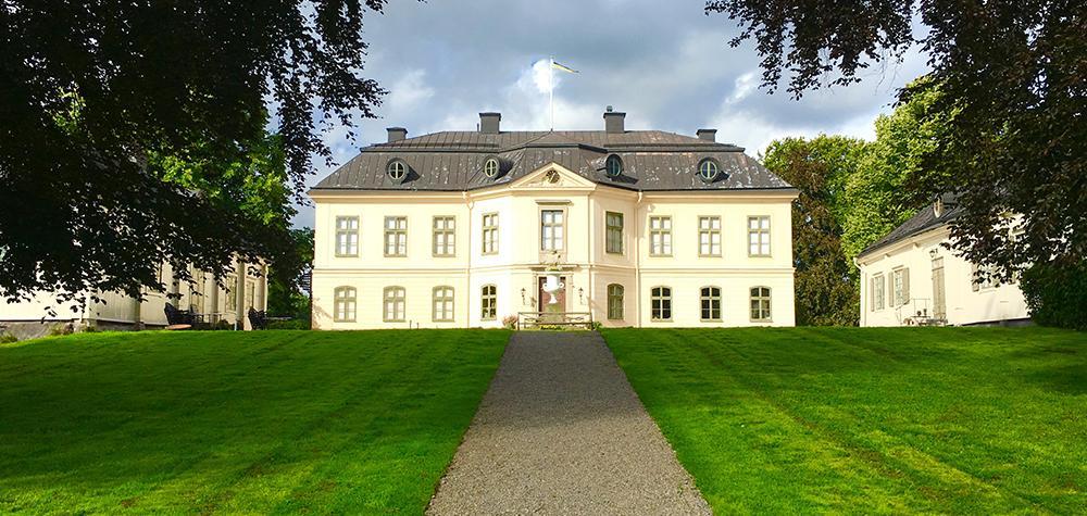 Guidad visning & afternoon tea för två på Sturehovs Slott