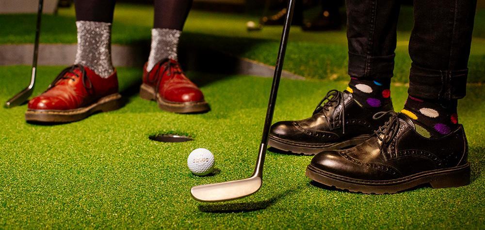 Middag & minigolf i Stockholm för två - Swing by Golfbaren