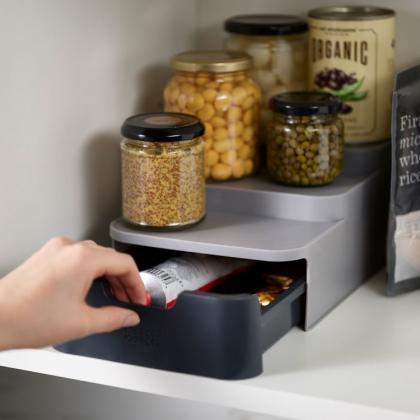Förvaringshylla med låda till köksskåp
