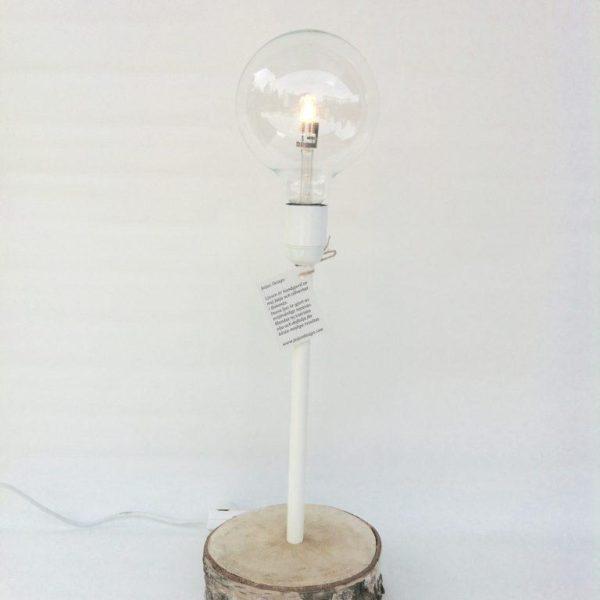 Ljus bordslampa med träfot och dimmer