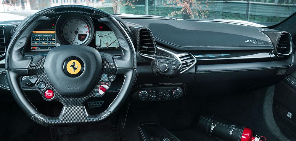 Ferrari VS Lamborghini i Stockholm (30 km)