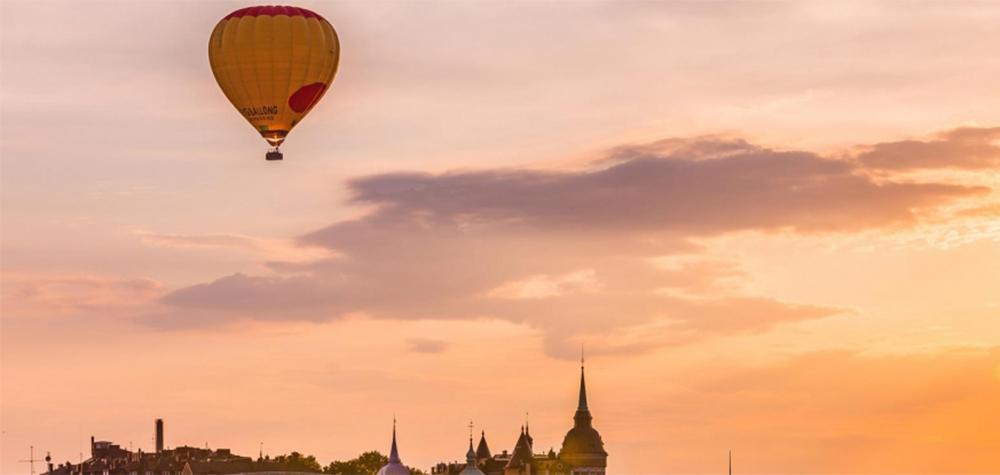 Flyg luftballong över Stockholm