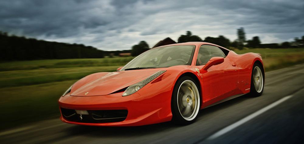 Kör Ferrari eller Lamborghini i Göteborg (8 km)