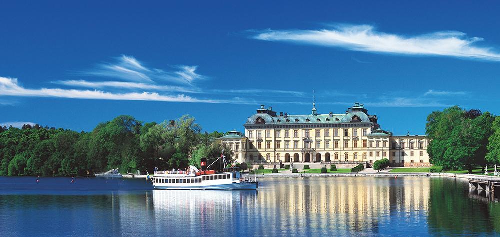 Lunchkryssning för två i Stockholm - Upplev Mälaren & Drottningholm